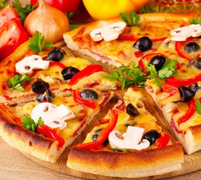 Comment garnir une pizza ?